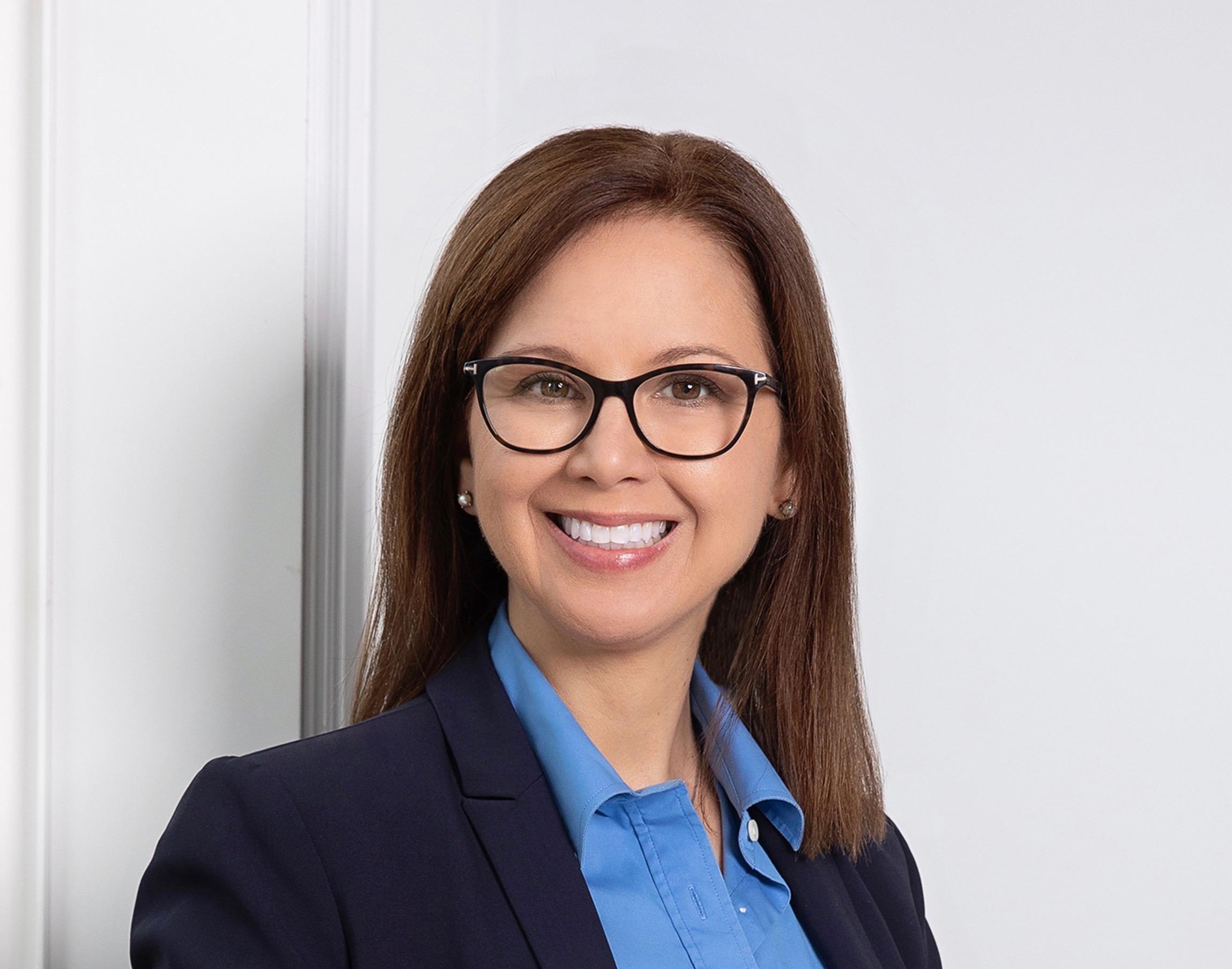 Emvitals CEO, Jenn Hunter Headshot